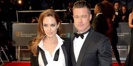 Brad Pitt khong the ngo cuoc doi lai den nong noi nay - Anh 1
