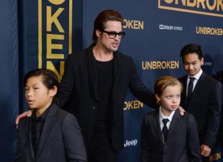 Brad Pitt khong the ngo cuoc doi lai den nong noi nay - Anh 2
