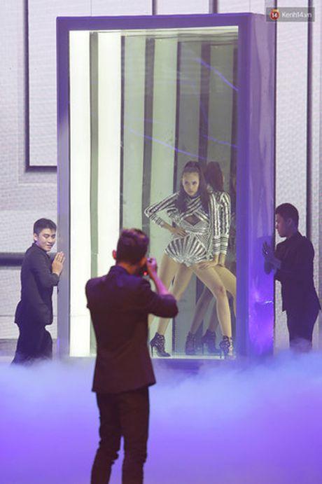 Khoanh khac dang quang Quan quan Top Model cua Ngoc Chau - Anh 8