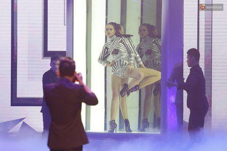 Khoanh khac dang quang Quan quan Top Model cua Ngoc Chau - Anh 9