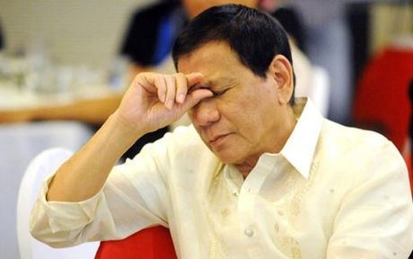 Philippines 'chi dich danh' nhung ke dinh lat do Tong thong Duterte - Anh 1