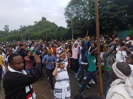 Hien truong vu giam dap kinh hoang o Ethiopia lam 52 nguoi thiet mang - Anh 2