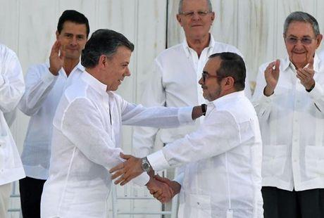 FARC san sang sua doi thoa thuan hoa binh voi Colombia - Anh 1