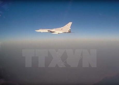 Nga dieu may bay nem bom Tu-22M3 tham gia tap tran o Kyrgyzstan - Anh 1