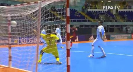 Futsal Viet Nam nhan them giai thuong cua FIFA - Anh 1
