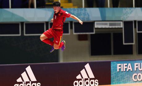 Futsal Viet Nam nhan them giai thuong cua FIFA - Anh 2
