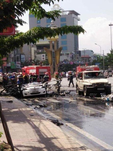 Vu no taxi Quang Ninh: Dang thi hanh an van tu tu - Anh 2