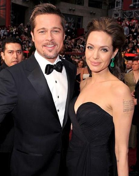 Brad Pitt khoc nhu mua sau khi bi vo bo - Anh 1