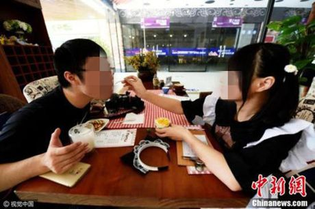 Pho Dac Biet: Yeu duong cung can song phang tien nong - Anh 1
