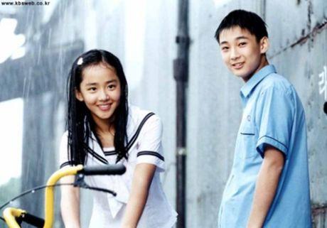 'Nguoi tinh nhi' cua Song Hye Kyo khac la sau 13 nam - Anh 1