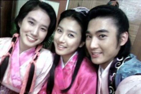 'Nguoi tinh nhi' cua Song Hye Kyo khac la sau 13 nam - Anh 7