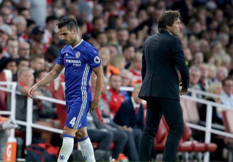Conte cai to Chelsea: Fabregas va Ivanovic ra ria, muc tieu so 1 la De Sciglio - Anh 1
