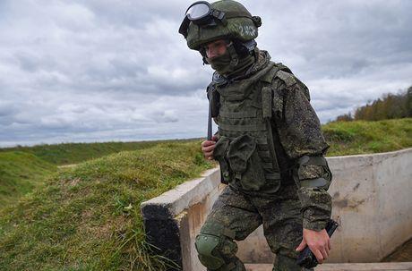Sung truong AK-12 va A-545: Ai se duoc Quan doi Nga chon? - Anh 11