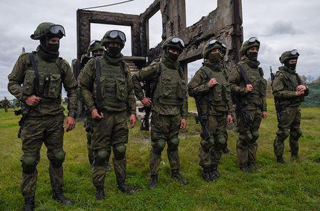 Sung truong AK-12 va A-545: Ai se duoc Quan doi Nga chon? - Anh 13