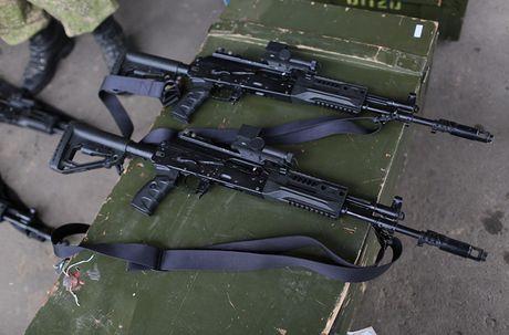 Sung truong AK-12 va A-545: Ai se duoc Quan doi Nga chon? - Anh 3