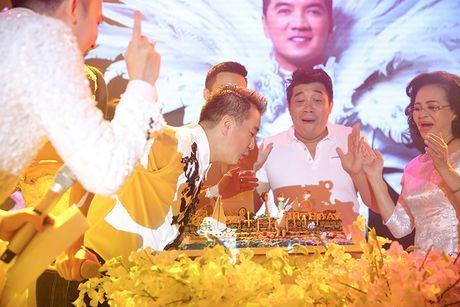 Sao Viet no nuc tham du tiec sinh nhat cua Mr Dam - Anh 2