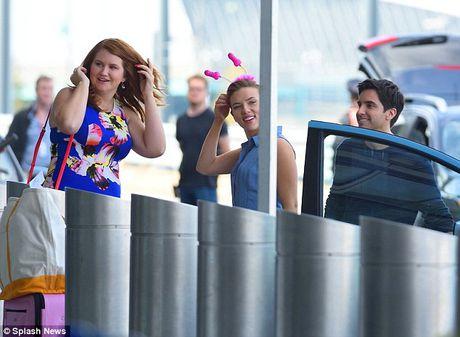 Scarlett Johansson deo do choi tinh duc tren dau - Anh 6