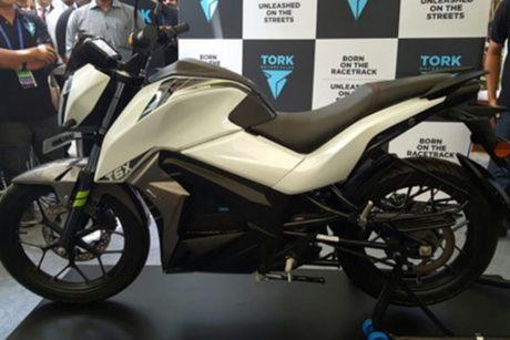Moto dien 'thong minh' Tork T6X gia chi 40 trieu dong - Anh 3
