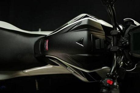 Moto dien 'thong minh' Tork T6X gia chi 40 trieu dong - Anh 7