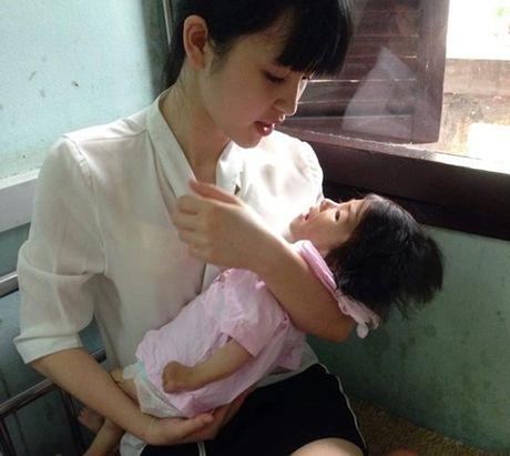 Gia the 'tien nu Lao Cai' nuoi be 14 thang nang 3,5kg - Anh 1