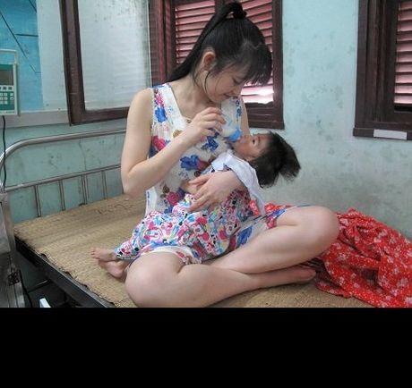 Gia the 'tien nu Lao Cai' nuoi be 14 thang nang 3,5kg - Anh 9