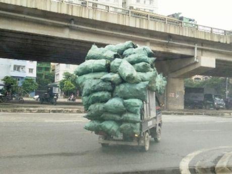 Can xu ly triet de nhung khoi khong lo di chuyen tren duong pho - Anh 1
