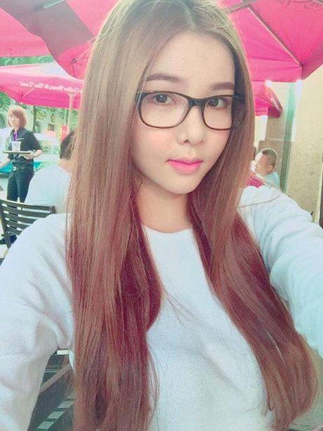 Ky Han bat ngo bi dan mang 'nem da' vi de mat moc - Anh 6