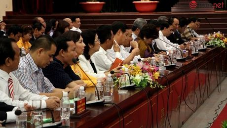 Chu tich nuoc: Cong nhan det may dang 'ket' trong cuoc canh tranh toan cau - Anh 2