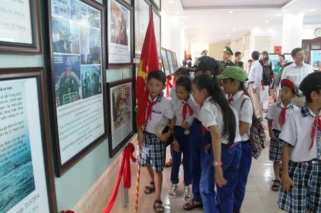 Trien lam luu dong Truong Sa, Hoang Sa cua Viet Nam - Anh 1