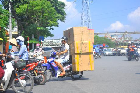 'Hung than' xe ba banh van bua vay Ha Noi - Anh 5