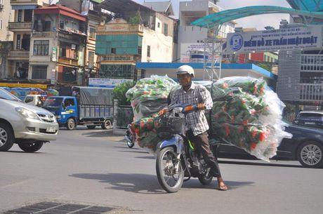 'Hung than' xe ba banh van bua vay Ha Noi - Anh 6