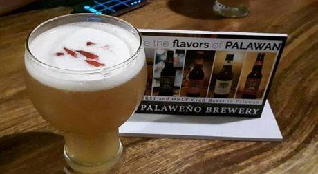 Du lich dao Palawan, Philippines dung quen thuong thuc bia do phu nu san xuat - Anh 1