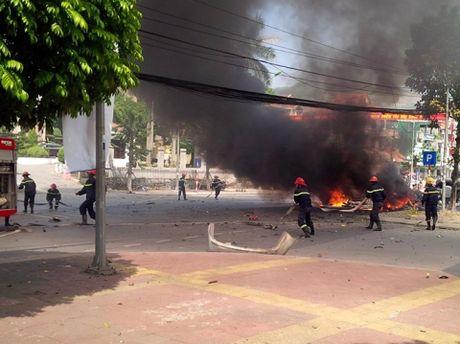 Vu no taxi o Quang Ninh: Tam thu tuyet menh he lo nguyen nhan - Anh 1