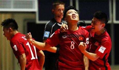 Ban thang cua Minh Tri lot vao Top 10 o FIFA Futsal World Cup 2016 - Anh 1