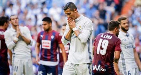 Real hoa 4 tran lien tiep: Zidane trong tam bao - Anh 1
