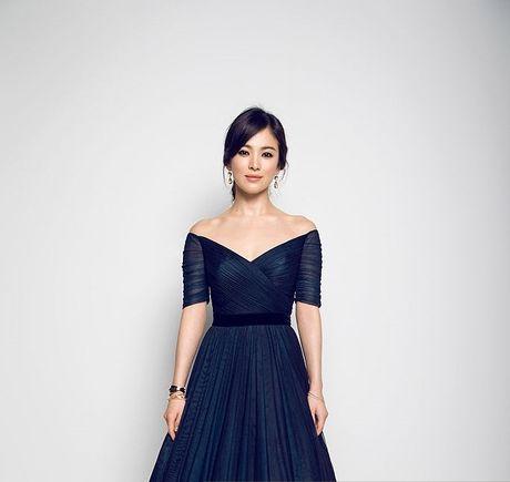 Song Hye Kyo dan dau danh sach Nu than lang giai tri chau A - Anh 1