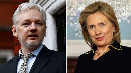Ba Clinton tung muon dung UAV de 'tru khu' nha sang lap WikiLeaks - Anh 1