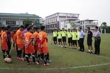 HLV Hoang Anh Tuan: Diem manh cua U19 Viet Nam la... tinh than - Anh 2