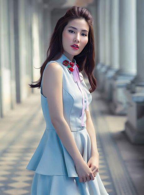 Sao Viet phai long vay ao hoa tiet theu - Anh 9