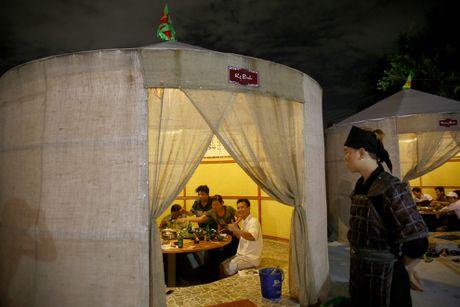 Nha hang phong cach Tam Quoc Chi o Sai Gon - Anh 12