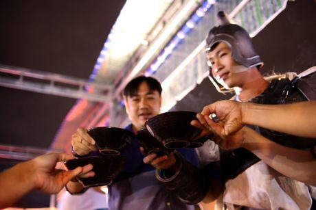 Nha hang phong cach Tam Quoc Chi o Sai Gon - Anh 16