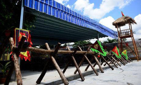 Nha hang phong cach Tam Quoc Chi o Sai Gon - Anh 1