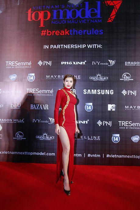 Nhung khoanh khac kho quen dem chung ket Top Model 2016 - Anh 4