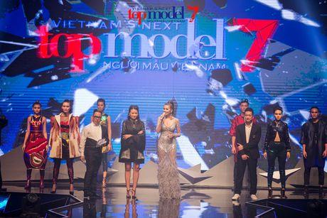 Nhung khoanh khac kho quen dem chung ket Top Model 2016 - Anh 5