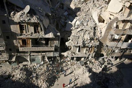 Chien truong Syria tiep tuc do lua khi quan he Nga - My cang thang - Anh 10