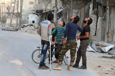 Chien truong Syria tiep tuc do lua khi quan he Nga - My cang thang - Anh 9