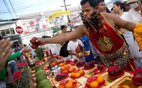 Le hoi an chay kinh di nhat Thai Lan khong danh cho nguoi yeu tim - Anh 12