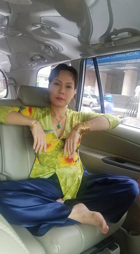 Ly do Hoai Linh, Viet Huong 'khoe vang' khap nguoi - Anh 6