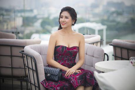 Nguyen Loan khoe ve sexy truoc ngay sang My thi hoa hau - Anh 2