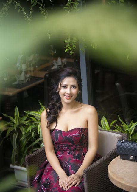 Nguyen Loan khoe ve sexy truoc ngay sang My thi hoa hau - Anh 6